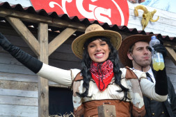 De Gespierde Spijkers zijn het er over eens; Iedereen WILD carnaval vieren in het WEST-Friese Zwaag