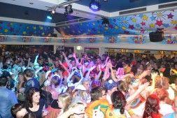 Bomvolle Leuttempel tijdens Big carnaval!