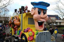Goudgelerakkers lossen het met een ree-bus op !?